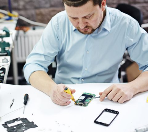 The Critical Difference Between Low Performance Of Mobile Phone & Repair Services